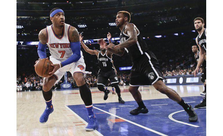 Knicks empatan serie de la campaña ante Nets