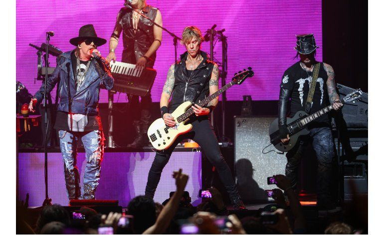 Concierto sorpresivo de Guns N Roses en club de Los Angeles