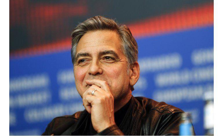 Hello! se disculpa con Clooney por entrevista inventada