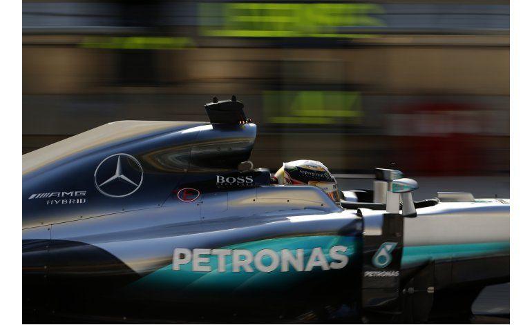 Hamilton logra la pole del GP de Bahrein