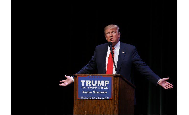 Trump busca apoyo más amplio de electores