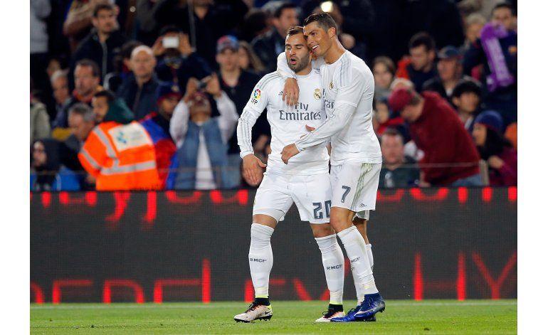 Cristiano y Benzema acaban con racha invicta del Barsa
