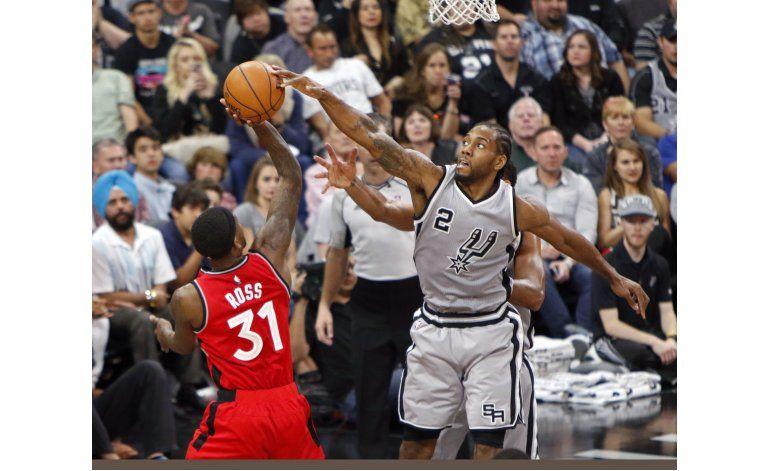 Spurs imponen record de la franquicia con 64 triunfos