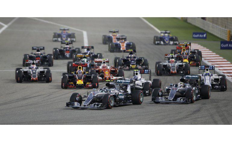 Rosberg manda en Bahrein tras choque de Hamilton