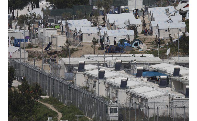 Deportarán migrantes de Grecia de regreso a Turquía