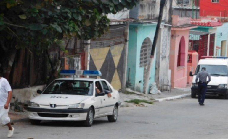Policía detiene a medio centenar de opositores en Cuba para impedir marcha