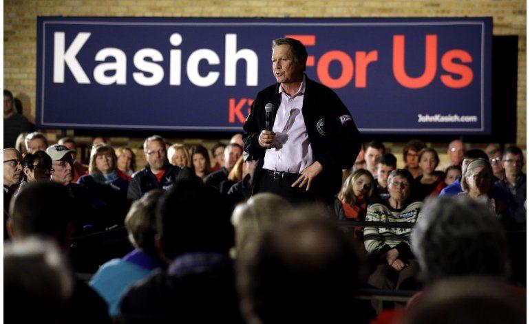 Trump dice que ganaría automáticamente si Kasich abandona