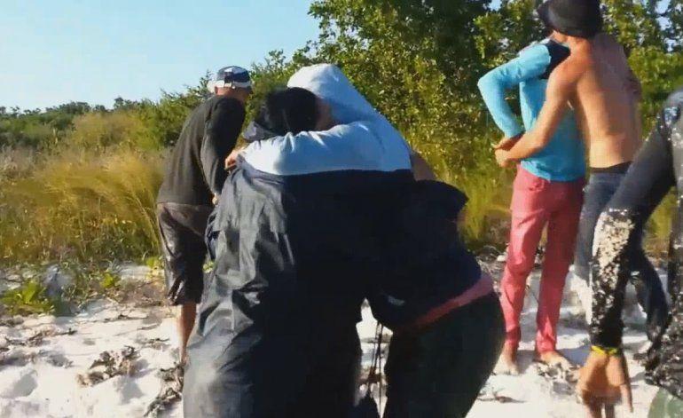 Grupo de cubanos capta en video del momento en que llegan a las costas de la Florida