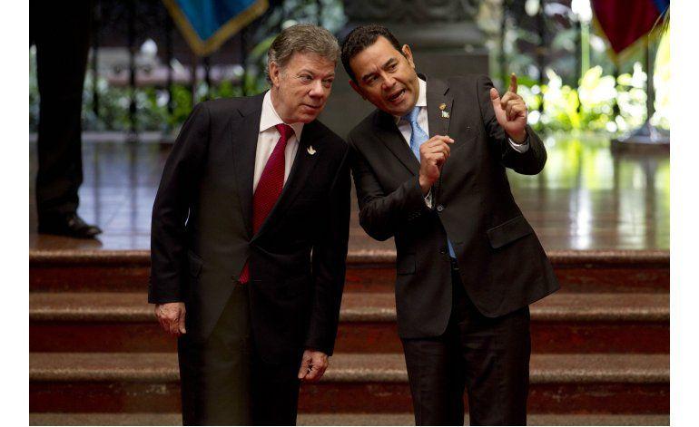 Santos: Guatemala puede servir de ejemplo a proceso de paz