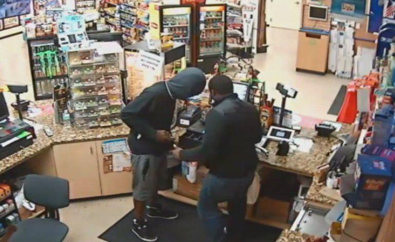 Delincuente asaltó a punta de pistola una gasolinera en Miramar