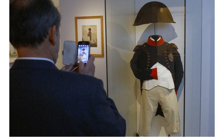 Exposición en París recrea último hogar de Napoleón