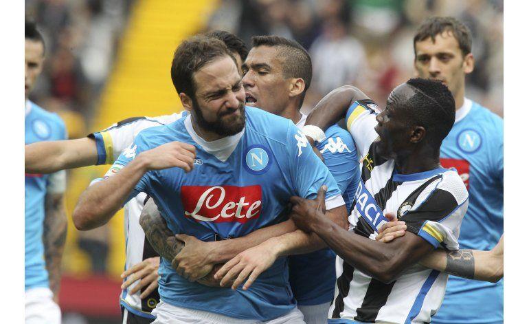 Goleador del Napoli Higuaín suspendido  por 4 partidos