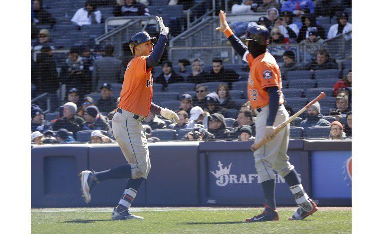 Correa jonronea en victoria de Astros ante Yanquis