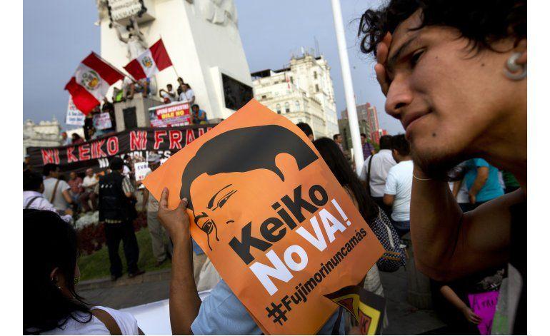 Perú: Miles marchan contra candidatura de Keiko Fujimori