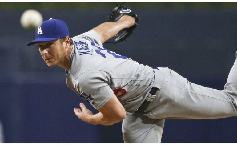 Kazmir y los Dodgers blanquean a los Padres 3-0