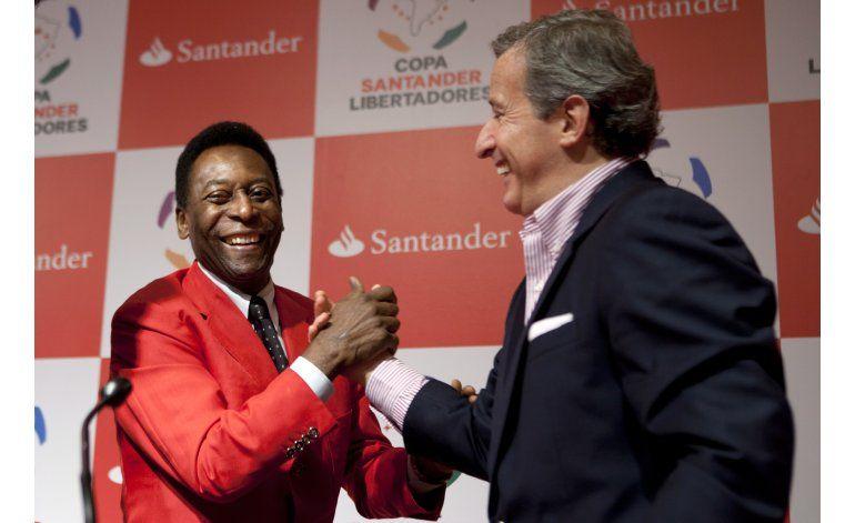 Juez de FIFA renuncia por escándalo de paraísos fiscales