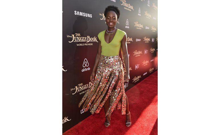 Lupita Nyongo sigue disfrutando triunfo en los Oscar