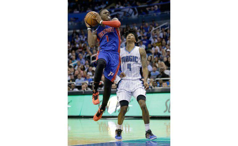 Pistons vence al Magic y sigue en la pelea por playoffs