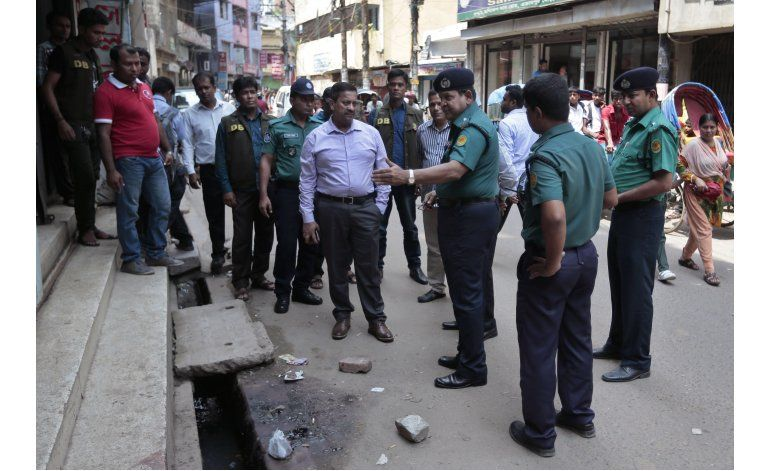 Matan a machetazos y tiros a activista secular en Bangladesh