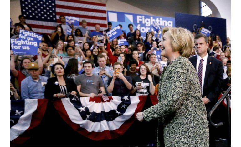 Arrecian las descalificaciones entre Clinton y Sanders