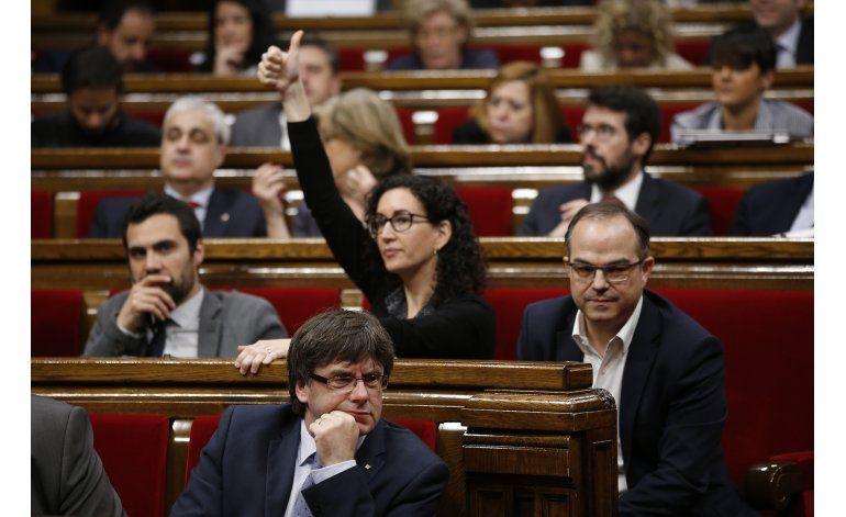 Parlamento catalán reafirma plan de independencia