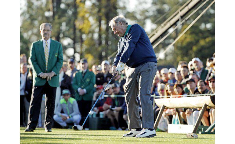 Spieth mantiene el paso ganador de 2015 en Augusta