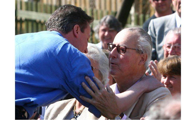 Cameron obtuvo ganancias de empresa fachada de su padre