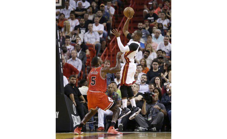 El Heat vence 106-98 a Chicago para su 46ta victoria
