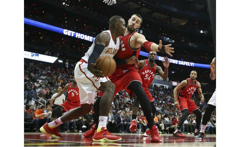 Teague y Korver llevan a Hawks a triunfo sobre Toronto