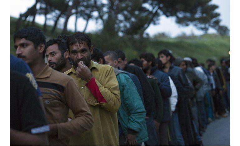 Grecia reanuda deportaciones de migrantes desde sus islas