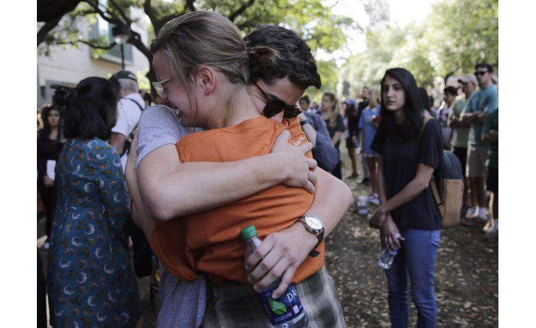Arrestan a sospechoso de homicidio en campus en Texas