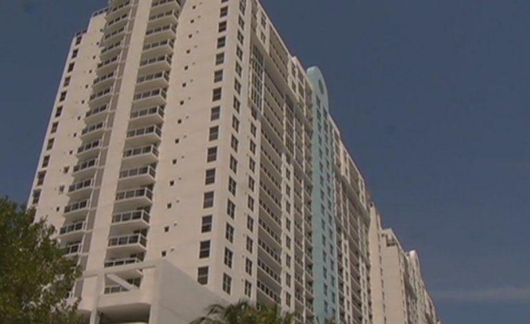 Autoridades tienen persona de interés en el caso de homicidio de un hombre en Miami Beach