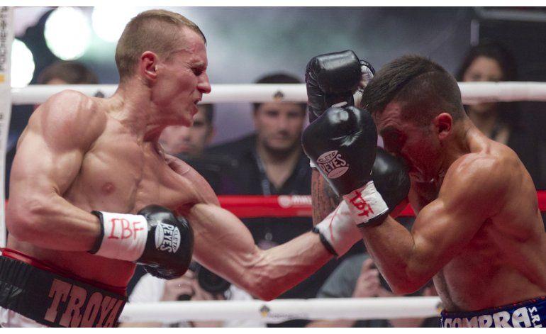 Troyanovsky noquea a Cuenca y retiene título superligero