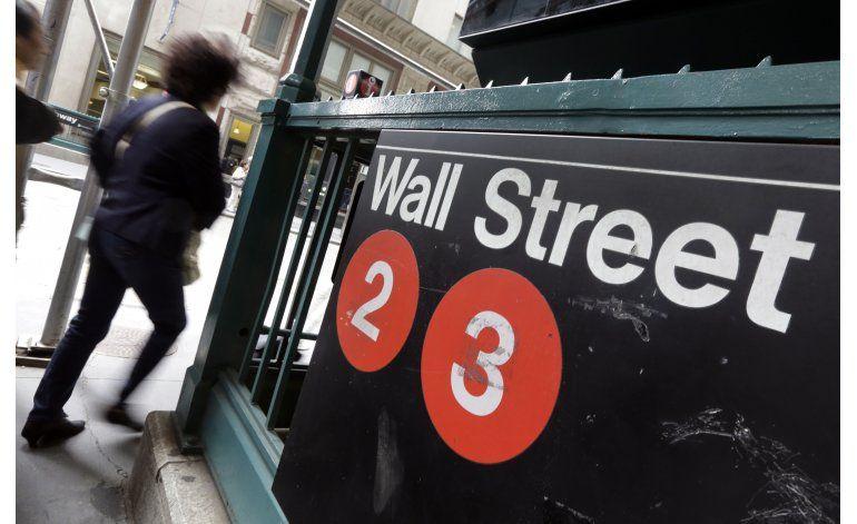 Suben acciones en Wall Street, impulsadas por el crudo