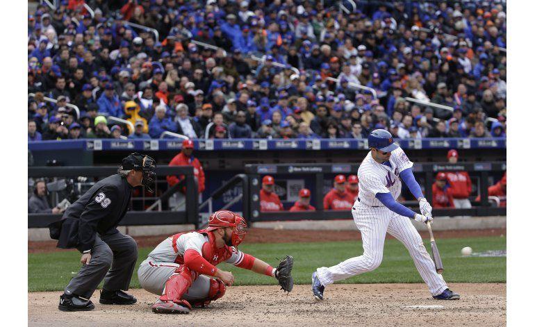 Mets y deGrom vencen a Filis al ganar 1er juego en casa