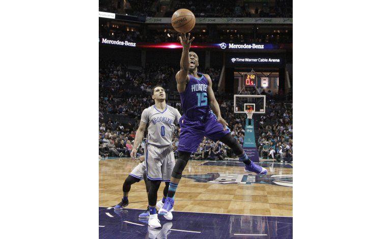 Hornets barren la serie de la temporada contra Nets
