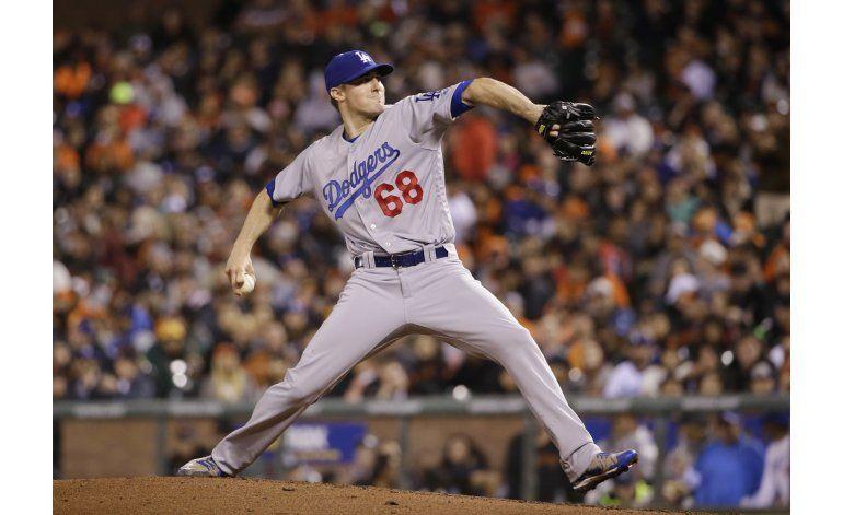 Stripling queda a un paso de debutar sin hits con Dodgers