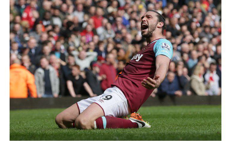 West Ham sepulta esperanzas de Arsenal en liga Premier