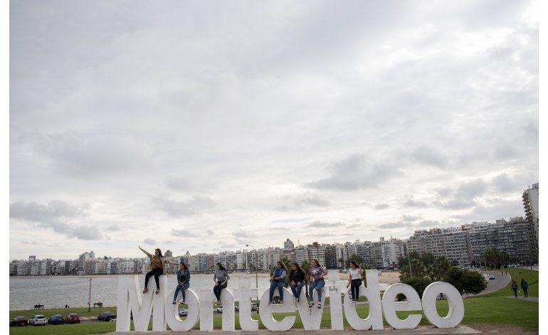 Estatua de la virgen saca a la luz laicismo uruguayo