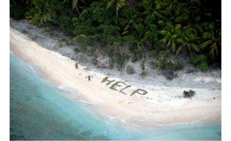 Rescatan a 3 hombres varados en isla inhabitada del Pacífico