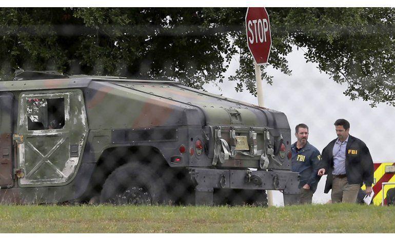 Exagente del FBI mató a comandante en base militar en Texas