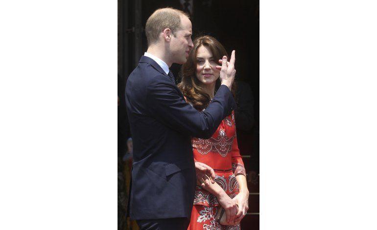 El príncipe Guillermo y su esposa inician visita a India