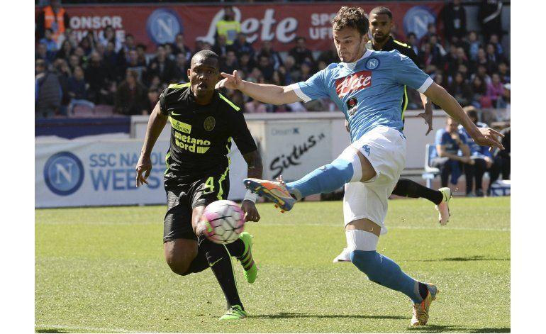 Napoli, sin Higuaín, vence a Hellas Verona