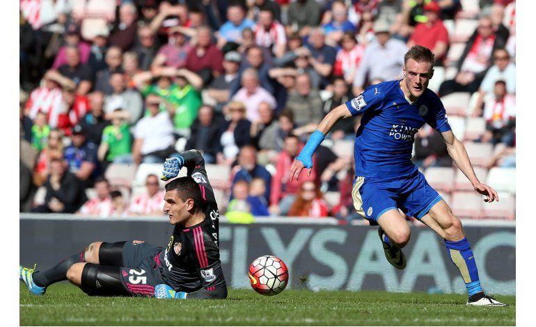 Leicester cada vez más cerca de su sueño en la Liga Premier