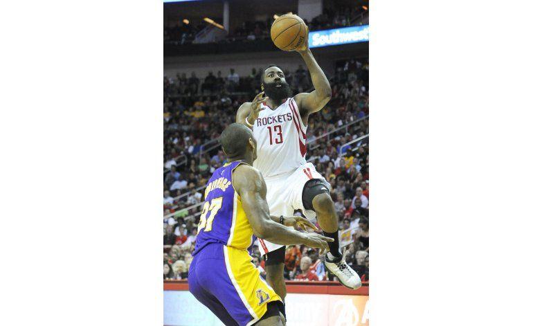 Los Rockets siguen vivos tras vencer a Lakers