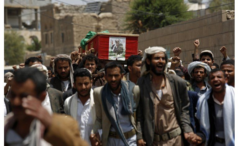 Respetan parcialmente alto el fuego en Yemen