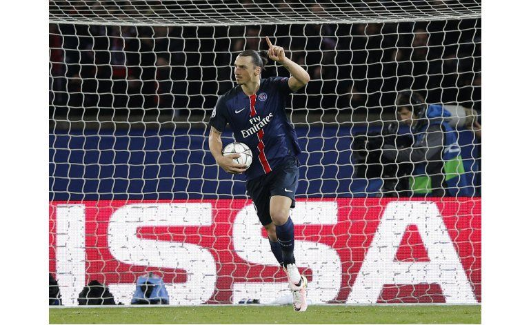 Ibrahimovic presenta demanda por versión de dopaje