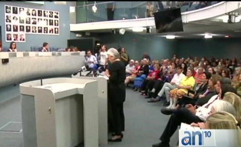 Acaloradas discusiones en ayuntamiento de Miami Beach sobre embajada de Cuba en esa ciudad