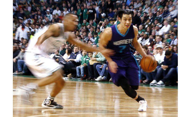 Con 25 de Lin, Hornets vapulean a Celtics