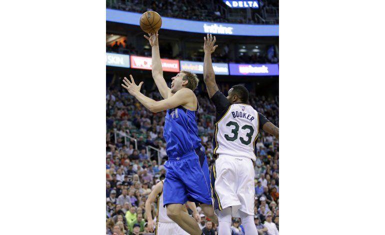 Mavs aseguran boleto de playoffs con triunfo sobre Jazz